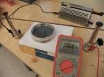 Uppställning av experimentutrustning för att bestämma flödestätheten på Jordens magnetfält