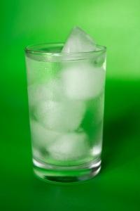 Smältande is i vatten